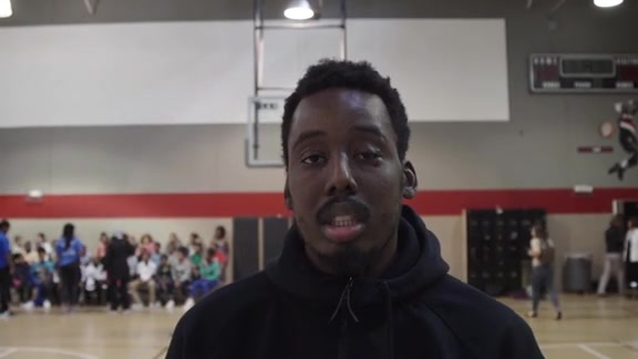 Video: Farouq Visits Blazers Boys & Girls Club