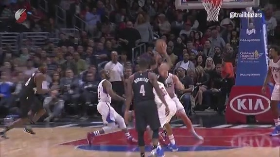 McCollum Floats the Alley-Oop to Aminu