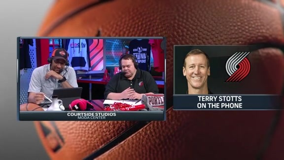 Stotts Talks Playoffs, CJ for MIP and More on Courtside