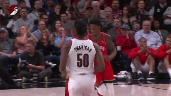 Swanigan-Collins Rookie Connection Leads To Two Quick Buckets