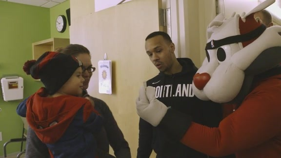 Trail Blazers Visit Doernbecher Children's Hospital
