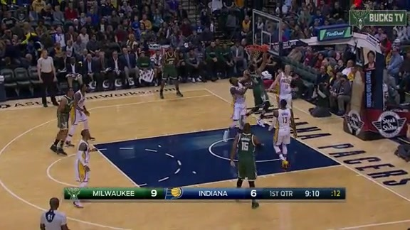 Giannis Goes Baseline for the Wicked Flush