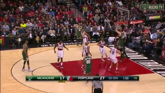 Giannis Finds The Oldest Plumlee for the Jam