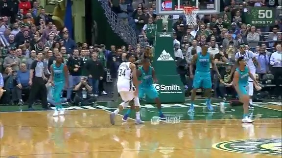 Highlights: Giannis Antetokounmpo vs. Hornets | 10.23.17