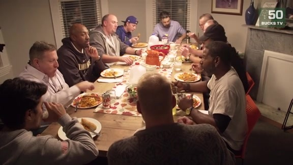 Rashad Vaughn and Vin Baker Hold Veterans Appreciation Dinner