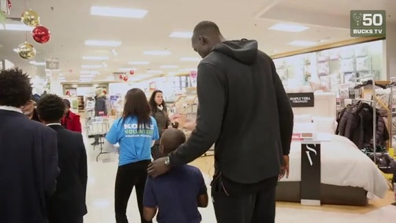 Season of Giving: Shop With A Buck