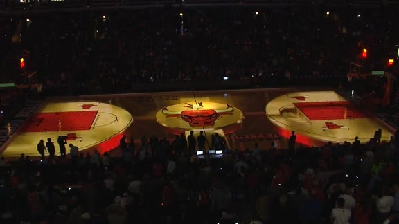 Bulls Entertainment Halftime Show: Chicago Basketball is Golden