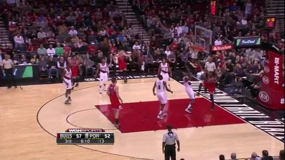 Butler Cuts Backdoor for the Alley-Oop