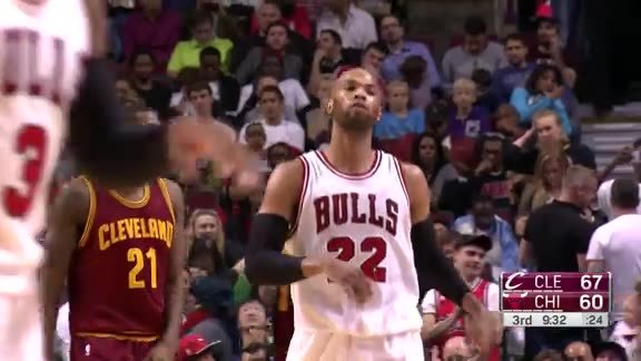 Taj Gibson fast-break dunk