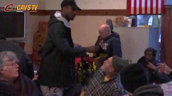 Shumpert Lends a Helping Hand to the Homeless - February 4, 2016