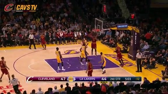 LeBron Goes Behind-the-Back to Tristan - March 10, 2016