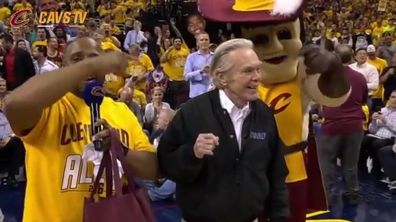 Cavs Honor Legendary Weather Man Dick Goddard - May 19, 2016