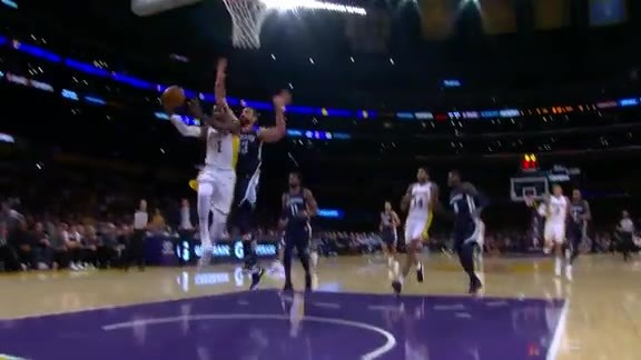 Gasol protects the rim