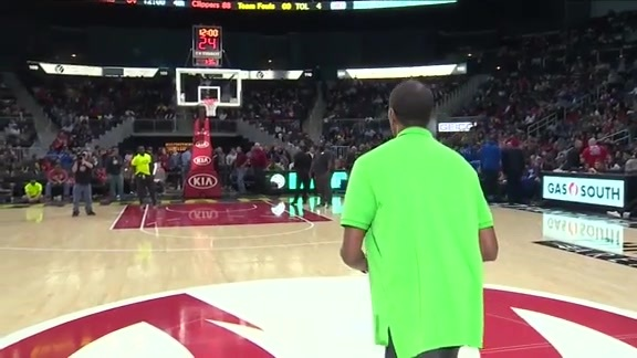 Hawks Fan Nails Half Court Shot To Win $10,000