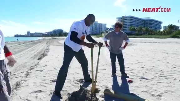 7th Annual HEAT Beach Sweep Recap