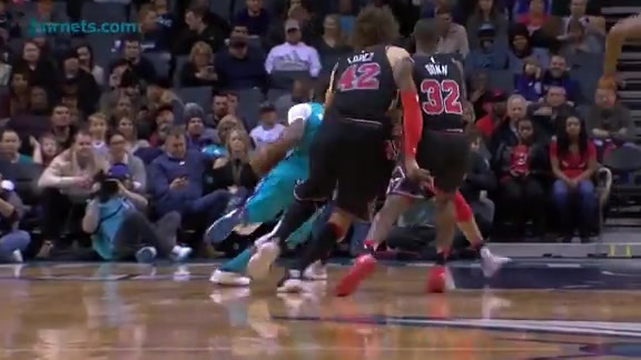 Hornets Highlights | Kemba Walker vs Bulls - 12/8/17