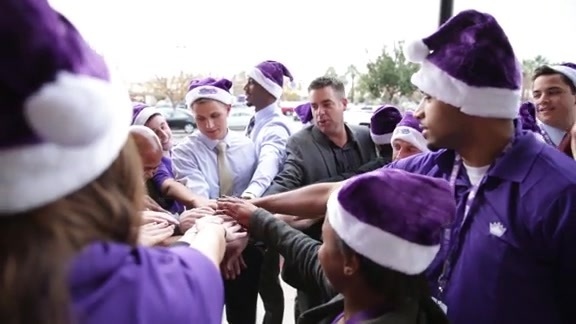 Kings Provide Fresh Food For Local Families