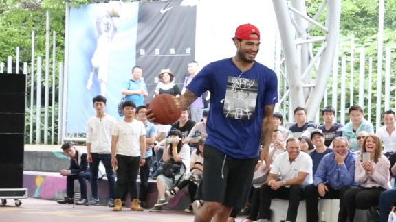 Willie Cauley-Stein at Dreamers Clinic in Shanghai