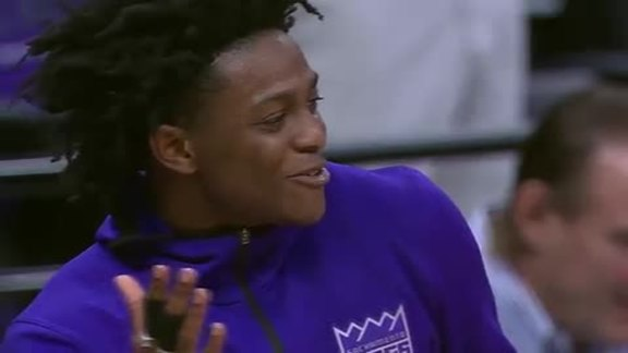 De'Aaron Fox Shines in NBA Debut