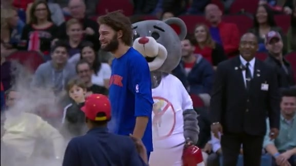 Robin Lopez Takes Down Clutch The Bear