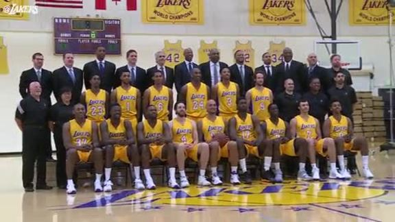 Lakers Take Team Photo