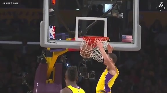 Lonzo Slams Home the Lob