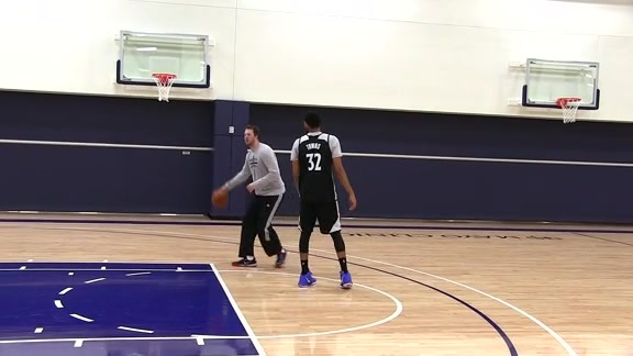 Rivals Report: Wiggins and Towns Practicing