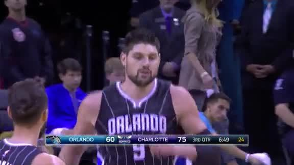 Vucevic One-Handed Jam vs Hornets