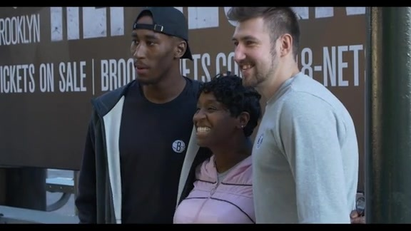 Nets Players Greet Brooklyn Commuters