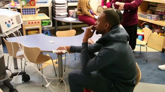 Brown and McCullough Visit Kids in Brooklyn Hospital