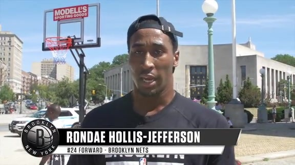 RHJ Teams Up with Modell's for Clinic