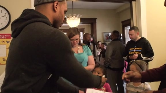 Wilson Chandler Donates Thanksgiving Meals