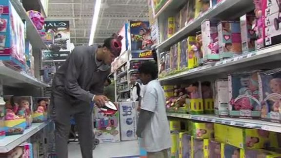 Pelicans Insider: Holiday Shopping with AD & Ryan