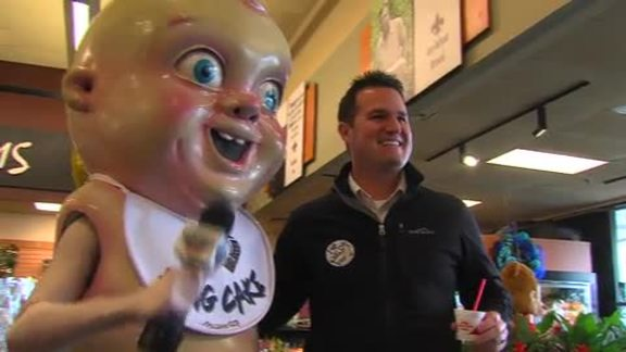 King Cake Baby visits Rouses to kick off the Mardi Gras Season 1-31-16