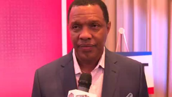 Head Coach Alvin Gentry reacts to the Pelicans' pick in the NBA Draft