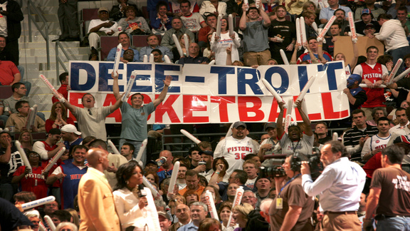 Unforgettable Moments: Deee-troit Basketball!