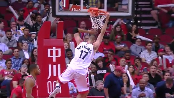Raptors Highlights: Valanciunas Attacks the Rim - November 14, 2017
