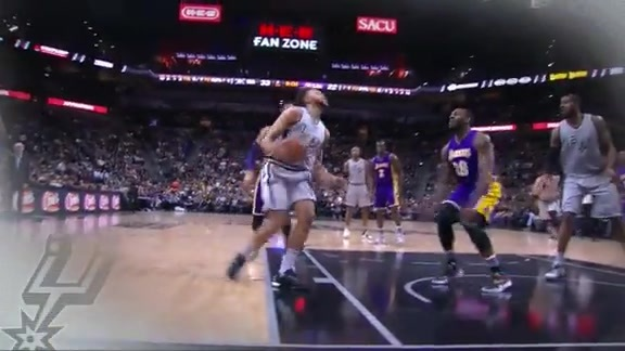 Assist of the Game: Kyle Finds LaMarcus on the Drive