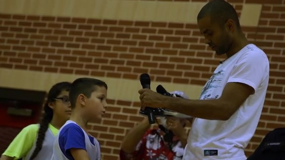 Spurs Minute: Tony Parker at Spurs Camp