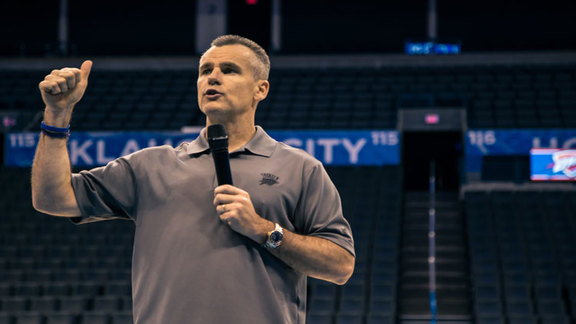 Donovan Leads Thunder Coaching Clinic