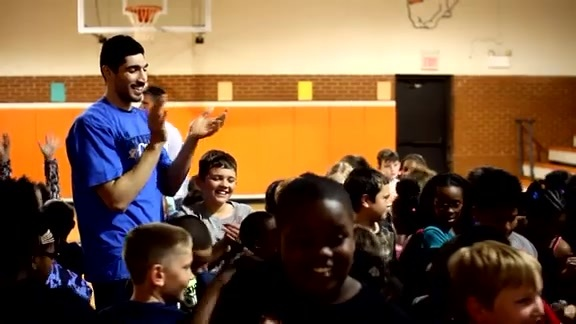 Kanter Shares Turkish Culture with Students