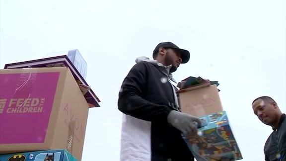 Carmelo Anthony Tips Off Campaign Against Hunger in OKC