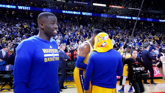 Warriors Make NBA History, Beat Lakers 111-77