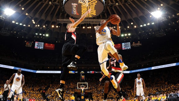 Warriors Beat Blazers 110-99 in Game 2