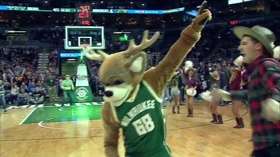 Bango Hits From Half Court to Win Fans Tacos