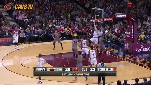 LeBron Goes Up Top To Mozgov - January 23, 2016