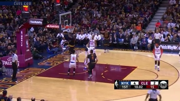LBJ with the Pretty Pass to JR - October 25, 2016