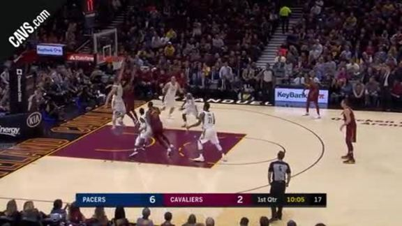 DRose Drives Hard to the Hoop