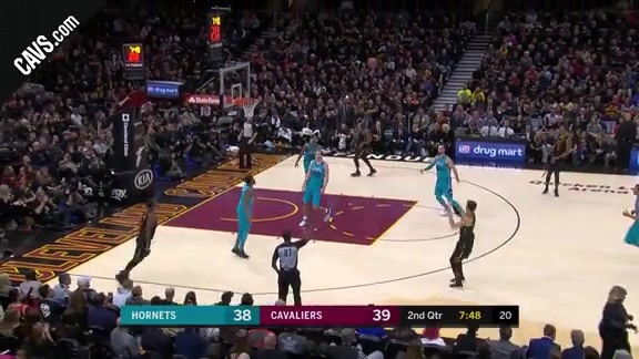 Korver Pulls Up and Hits Deep Three