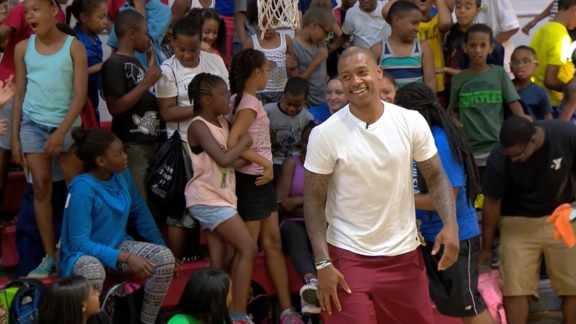 Isaiah Thomas Visits Roxbury YMCA